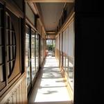 水軍の郷 - お店の中の廊下(一階)