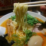 中華そば うめや - 麺は加水低めの、うめやの麺です。