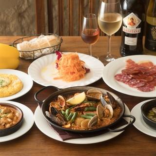 宴会を盛り上げてくれる、豊富に揃った本格的なスペイン料理