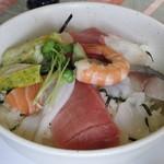 仙吉 - 料理写真:日替わりランチ・海鮮丼大盛 税込¥650