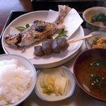 鳴沢苑 - 虹鱒の塩焼き定食です。
