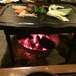 宿房 あそ - 肥後牛を陶板で焼きます