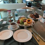 The Ritz-Carlton Residences - フルーツの盛り合わせを、ホテルから頂きました。