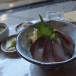 味処 幸食 - 料理写真:ブリ丼:ランチ800円