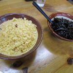 英ちゃんうどん - 天カス、昆布の佃煮