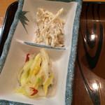 庄や - ごぼうサラダと白菜の漬物。       うまし。