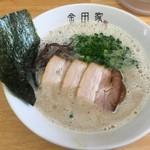 金田家 本店 - 黒豚らーめん(650円)+煮玉子(100円)