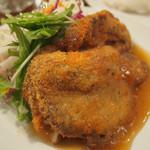 アザレア - 豚ロース肉のチーズ入りカツレツ
