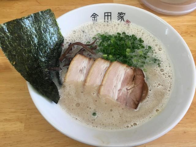 金田家 - 黒豚らーめん(650円)+煮玉子(100円)