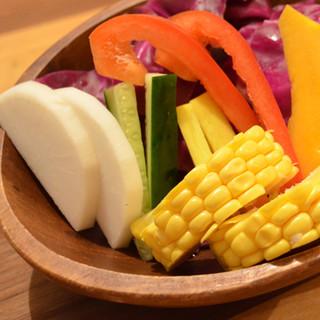 契約農家から届く新鮮野菜。
