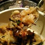米沢亭 - [料理] 石焼カルビビビンバ  一口大 アップ♪w