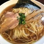 一休 - 醤油中華そば(大)