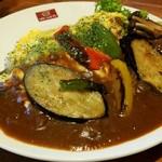 ビビッドライフ - 料理写真:彩り野菜とチーズエッグのトマトビーフハヤシ