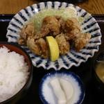 おふくと虎吉 - 唐揚げ定食1026円
