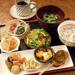 かふぇ 坩堝 - 料理写真:和膳(nagomi-zen)、日替わりのランチメニュー、ドリンクとセットで1000円