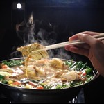 クンビラ - クンビラ名物★ヒマラヤ鍋★ ヒマラヤの岩塩や薬草が旨みたっぷりのスープに染み込んでおり、デトックス効果抜群で、口コミ絶えない美鍋です! 他には無い、新しい味を皆様に召し上がっていただきたくおもいます。 美容と健康の為にも是非!