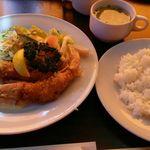 レストラン やましろ - エビフライ定食