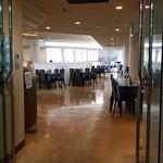 アクセスサッポロ レストラン ライラック - 広い店内です。