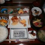 日本料理 芝桜 - 和朝食(肉)
