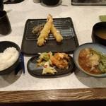 天ぷら倶楽部 - 米、ちょっと食っちゃった。ピーマン、天つゆに入れちゃった。