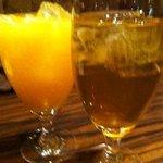 ベトナムキッチン アンジー - オレンジジュースとハス茶