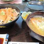 おさかな亭 なぐも - 閖上の赤貝丼(2100円)