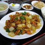 美食苑 - 辣子鶏丁(鶏肉の四川風炒め)定食