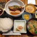 貝、磯料理 海然 - 煮魚定食¥800-
