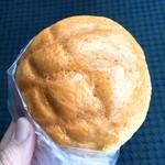 ロリアン - メロンパン(124円)