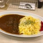 マナ キッチン - 厚切り牛タンカレー