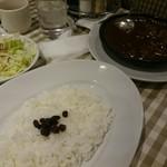 フジオ軒 - 豚バラと牛スジ煮込みカレー