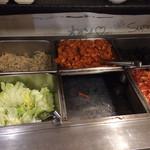 62006705 - おかずビュッフェ                       もやしのナムル、キムチ、レタス、韓国のり、さつま揚げとジャガイモのキムチ、カクテキ                       他に、白米、味噌汁