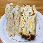 ミッシェル - 料理写真:三角ポテトサラダサンド & エビと卵のカクテルサンド(2010年12月)