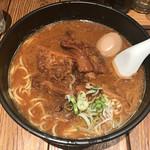 黒椿屋 - 牛バラ肉麺