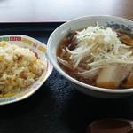 中華料理 金盛園 - 料理写真:炒飯&もやしたっぷりラーメンの麺セット