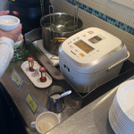 62017306 - カップにフォーを入れ、スープを注ぎます。