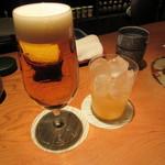 62017825 - 生ビール(プレミアムモルツ)750円&あらごし梅酒ロック 800円