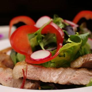 味麗豚のグリル(150g)サラダ添え
