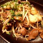 亀千人 - 砂肝あつあつ鉄板焼き