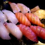 亀千人 - 寿司盛り合わせ5種(2人前)