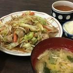 伏見家 - 料理写真:肉野菜炒め定食 640円 安い。鯖とか食べたい時また来たい。