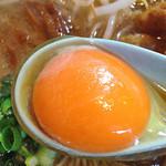 麺や 樽座 - 徳島ラーメン(黄身)