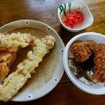 手打ちそばやさん うどんやさん 白虎 - 天ぷら 100円x2 ソースカツ丼 150円