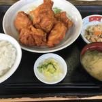 ごはん屋さん - 鶏の唐揚げ定食(850円)