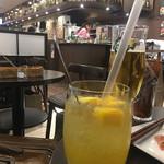 串鳥のワイン酒場 TANTO - サングリアカクテル マンゴー