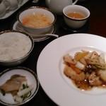 銀座アスター - [料理] 搾菜・ご飯・玉子スープ・白身魚のトウチ炒め