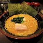 横浜家系ラーメン 金山家 - 塩ラーメン 並 700円(税込)