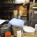 キッチンまつむら - 厨房風景