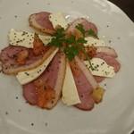 のりを - 料理写真:合鴨とスモークチーズ