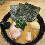 せい家  - 味玉チャーシュー麺750円